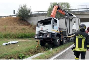 Ferrara Muore Volontario Della Protezione Civile La Vittima è Il 50enne Ferrarese Robe Asaps It Il Portale Della Sicurezza Stradale